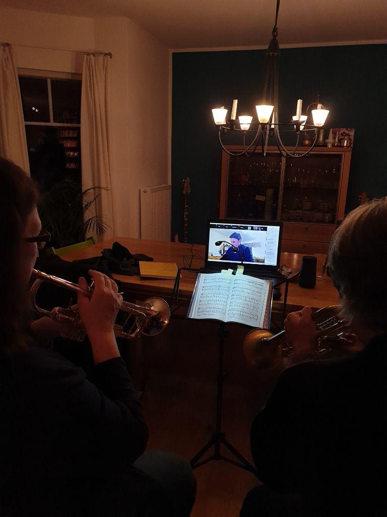 """Zoom-Proben-Premiere des Posaunenwerks - """"Koppelsberg im Lieferservice"""""""